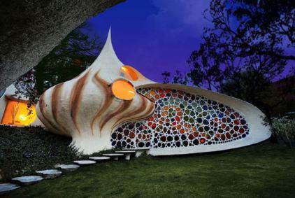 Giant_Seashell_House_-_Mexico